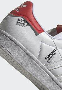 adidas Originals - SUPERSTAR  - Sneakers basse - white - 9
