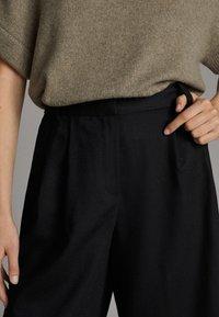 Massimo Dutti - Shorts - black - 5