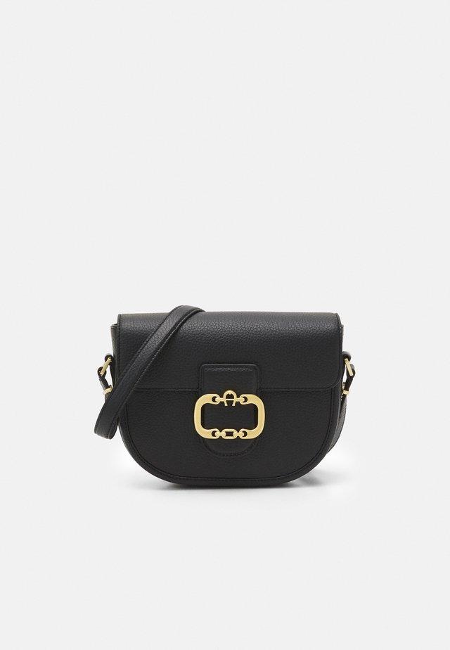 CELIA BAG - Taška spříčným popruhem - black