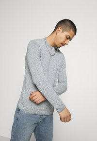 Only & Sons - ONSFLEX LIFE  - Sweter - dress blues - 3