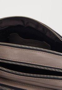 Topshop - CAMERA CROSSBODY BAG - Across body bag - grey - 2