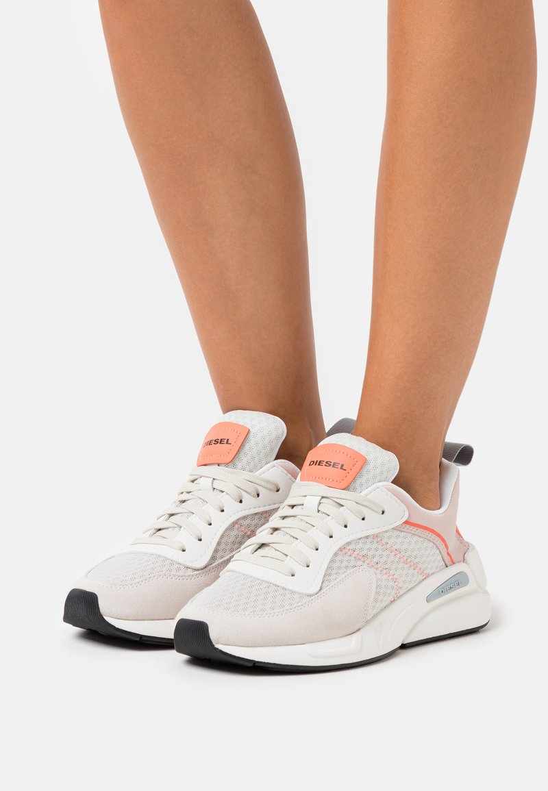 Diesel - SERENDIPITY S-SERENDIPITY LOW W - Trainers - white/peach