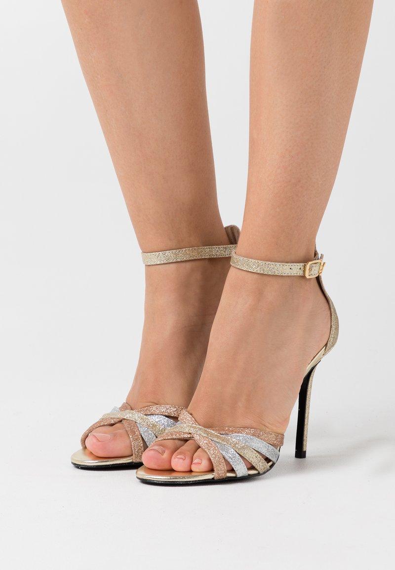 Liu Jo Jeans - NEW BLOOM  - Sandály na vysokém podpatku - gold