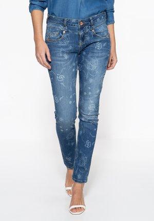 MIT FLORALEM MUSTER - Slim fit jeans - blau