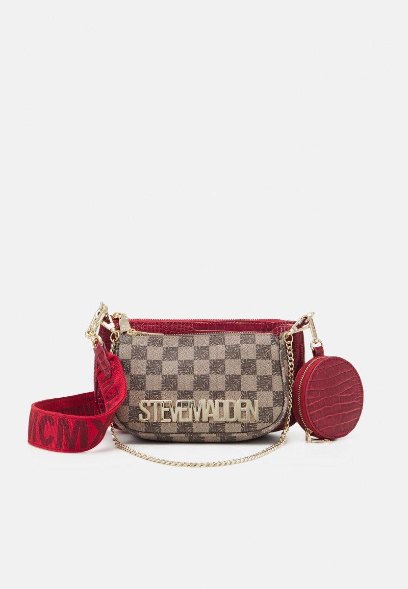 Steve Madden - BURGENTL SET - Handbag - red