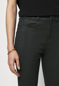DRYKORN - BASKET - Trousers - schwarz - 3