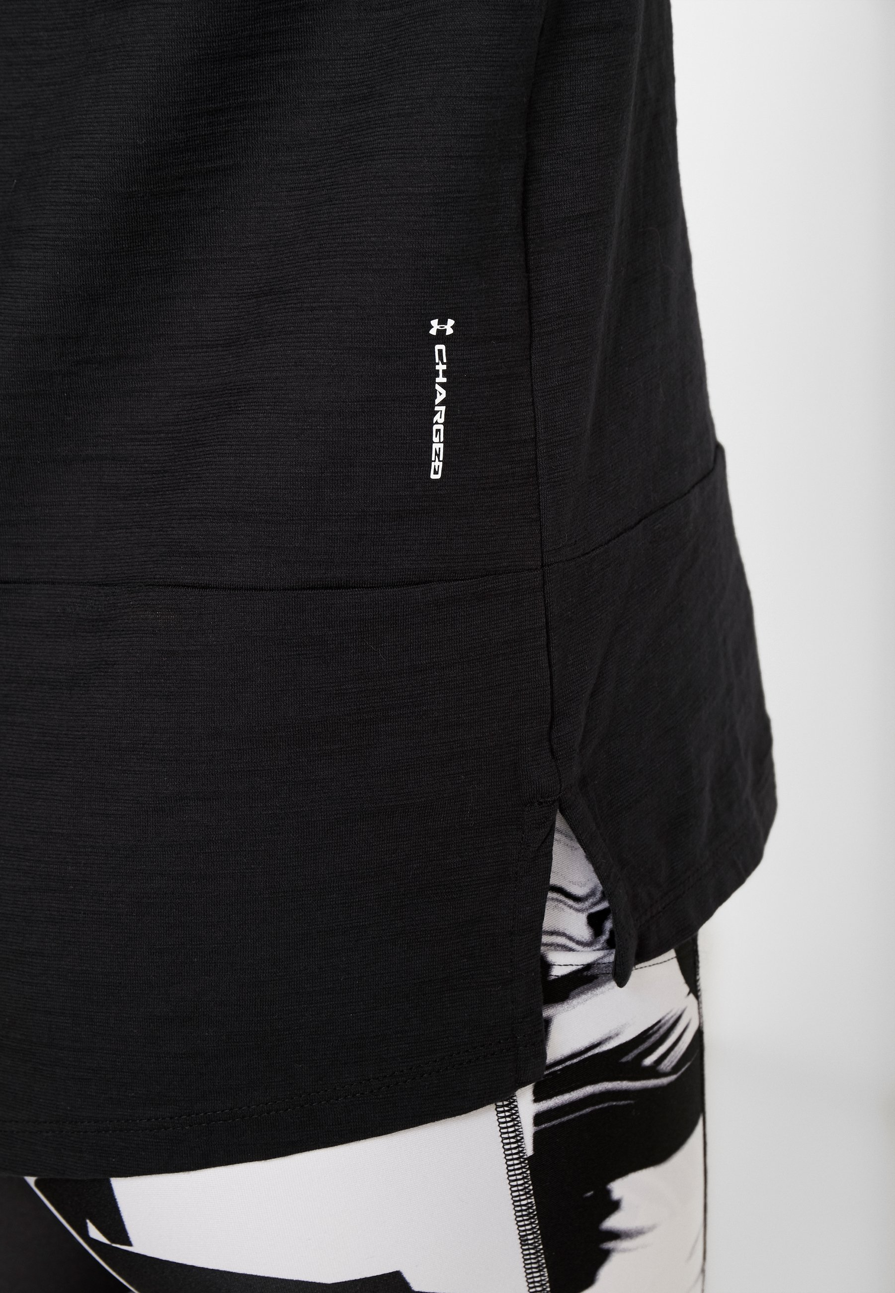Under Armour CHARGED  - Print T-shirt - black/white WFvrB