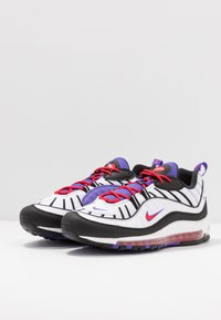 Nike Sportswear - AIR MAX 98 - Sneakersy niskie - white/black/psychic purple/university red