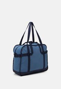 Reebok Classic - CLASSIC TAILORED PACKABLE GRIP SEASONAL UNISEX - Sportovní taška - blue slate - 1