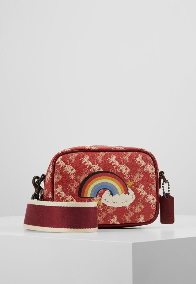 HORSE AND CARRIAGE RAINBOW SMALL CAMERA BAG - Taška s příčným popruhem - red deep