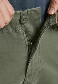 Jack & Jones - DRAKE ZACK - Cargo trousers - dusty olive - 4