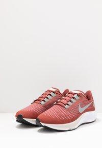 Nike Performance - AIR ZOOM PEGASUS - Löparskor stabilitet - claystone red/silver/white - 2
