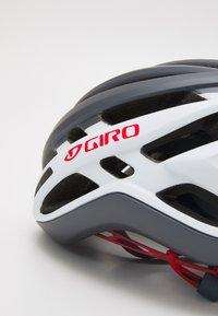 Giro - AGILIS UNISEX - Helm - matte portaro grey/white/red - 5