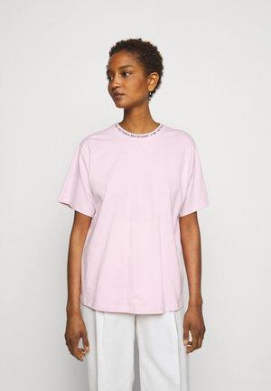 T-shirt z nadrukiem - candy pink