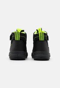 Superfit - GLACIER - Winter boots - schwarz/gelb - 2