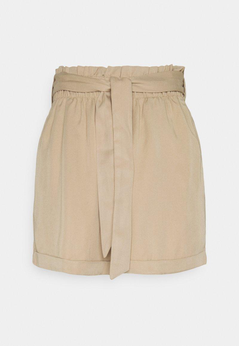 TOM TAILOR DENIM - SOFT RELAXED - Shorts - dune beige