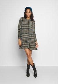 JDY - JDYBRIENNE DRESS - Robe pull - deep teal/travatine check - 1