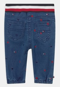 Tommy Hilfiger - BABY EMBROIDERED UNISEX - Relaxed fit jeans - blue denim - 1