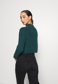 Monki - Strikkegenser - green dark - 2