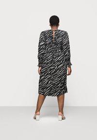 New Look Curves - SHIRRED DETAIL MIDI DRESS - Day dress - black pattern - 2