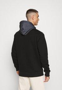 CLOSURE London - CUT SEW CHECKED HOODY - Bluza z kapturem - black - 2