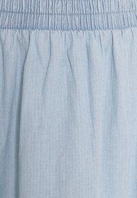 Pieces - PCGEYA MIDI SKIRT - Spódnica jeansowa - light blue denim - 2