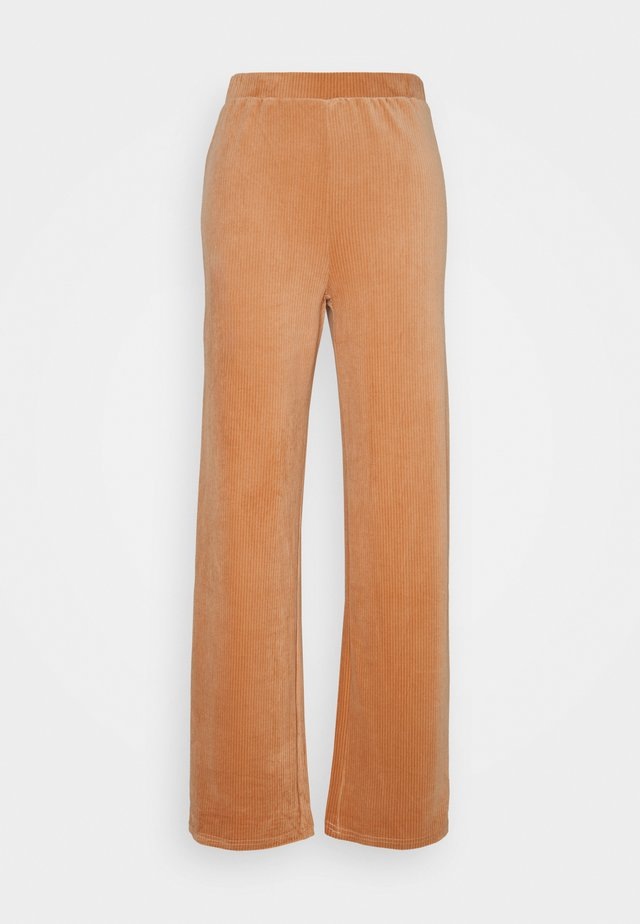 ONLAZZA LONG WIDE PANTS - Broek - camel