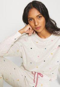 Marks & Spencer London - STAR & HEART SET - Pyjamas - oatmeal - 3