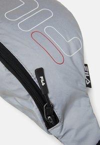 Fila - WAIST BAG SLIM - Bum bag - silver - 4