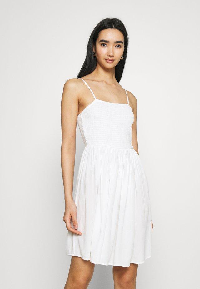 VIMESA SHORT SMOCK DRESS - Freizeitkleid - snow white