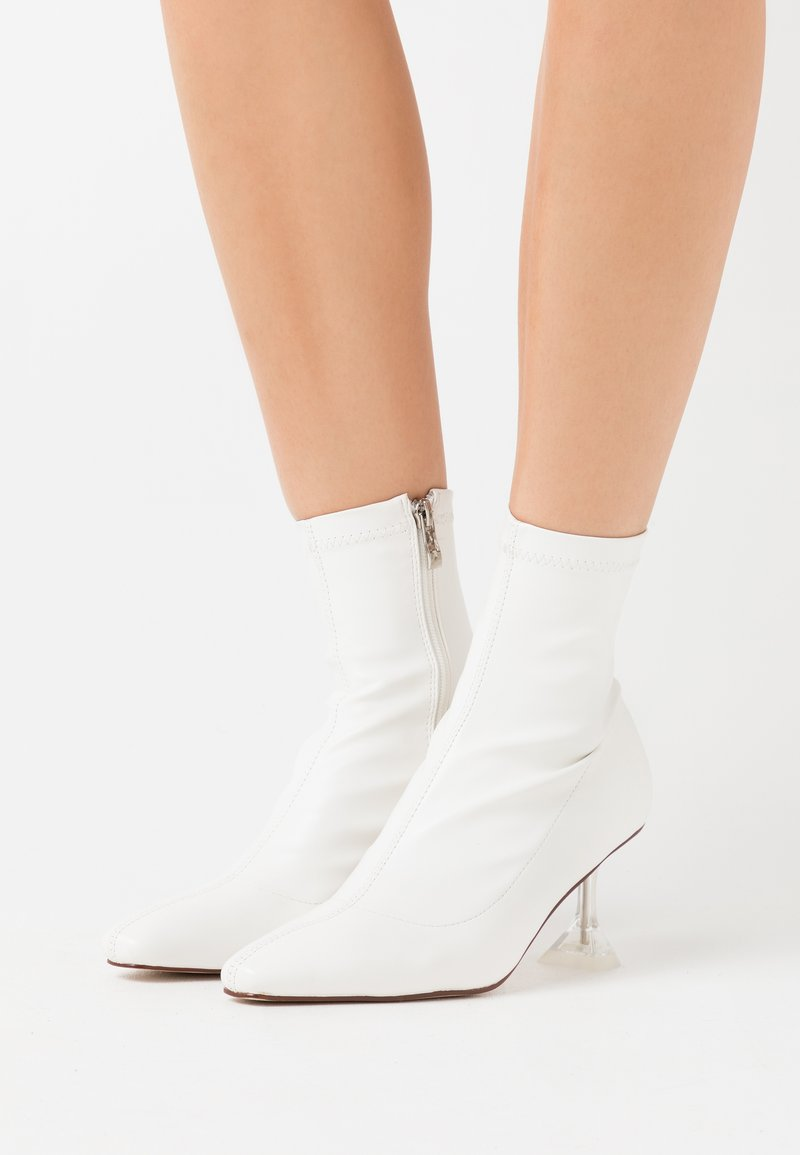 BEBO - SAVAGE - Classic ankle boots - white