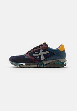 ZAC-ZAC - Trainers - dark blue/red