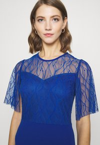 WAL G. - RYENA MIDI DRESS - Cocktail dress / Party dress - electric blue - 4