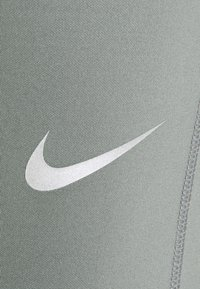 Nike Performance - Tights - smoke grey/reflective silver - 7