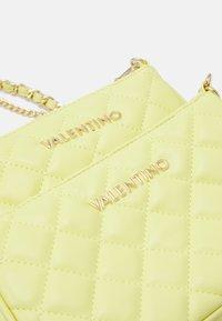Valentino Bags - OCARINA SET - Across body bag - giallo - 4
