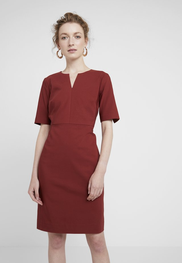 ZELLA  - Shift dress - russet brown