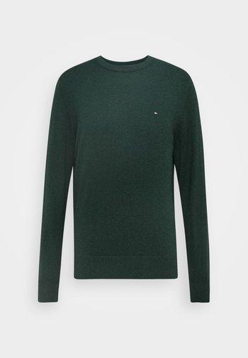 PIMA CREW NECK - Svetr - green