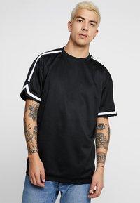 Urban Classics - OVERSIZED TEE - T-shirt - bas - black - 0