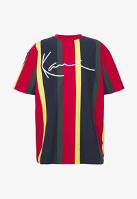 Karl Kani - SIGNATURE STRIPE TEE - Print T-shirt - yellow/navy/green/red - 4