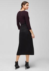 s.Oliver BLACK LABEL - MIT CACHE-COEUR-AUSSCHNITT - Long sleeved top - dark plum - 2