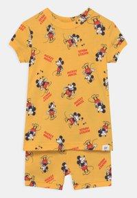 GAP - TODDLER MICKEY MOUSE UNISEX  - Pyjama - canary yellow - 0