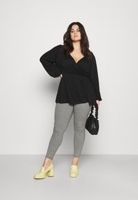 CAPSULE by Simply Be - SUPER SOFT  - Tygbyxor - black - 1