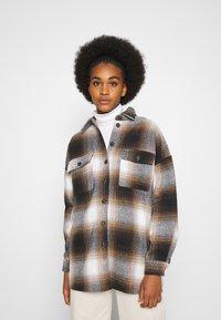 Noisy May - NMFLANNY CHECK  - Button-down blouse - birch/brown sugar/dark brown/black - 0