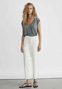 Massimo Dutti - Jeans Straight Leg - white - 1