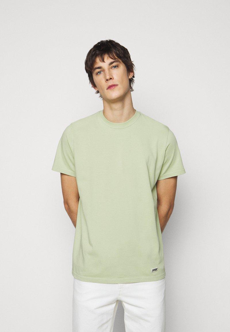 ARKK Copenhagen - BOX LOGO TEE - Basic T-shirt - swamp