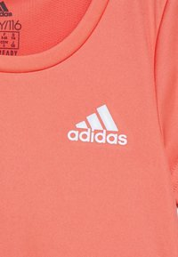 adidas Performance - TEE - Print T-shirt - coral/white - 2