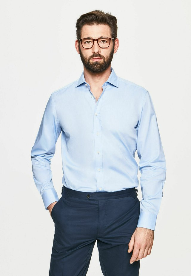 Camisa elegante - sky