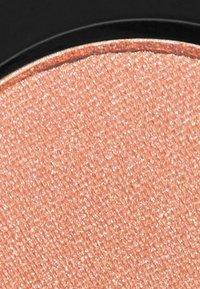 Topshop Beauty - METALLIC EYESHADOW - Fard à paupières - RST morph - 2