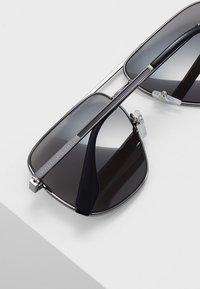 Marc Jacobs - Lunettes de soleil - black - 4