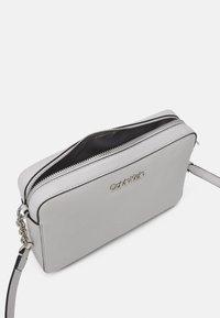Calvin Klein - CAMERA BAG - Sac bandoulière - grey - 2